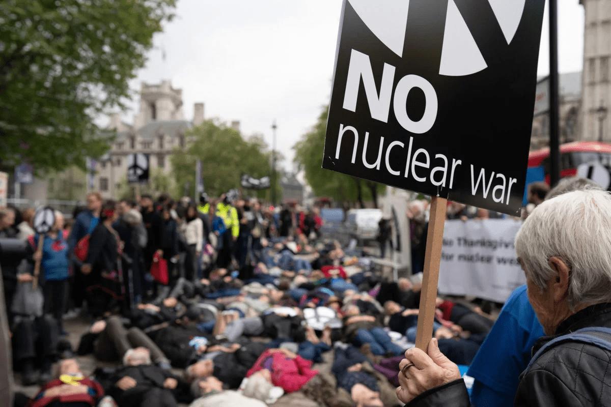 2019_1028-war-protest-1200×800