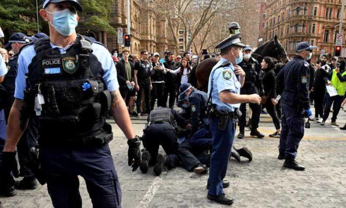 Dc.5F-SydneyPolice.20210802